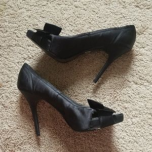 Bakers Shoes - Bakers Black High Heels with Bow and Peep-toe